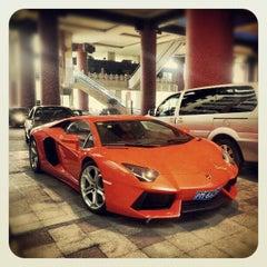Photo taken at The Portman Ritz-Carlton, Shanghai by jiazi on 10/27/2012