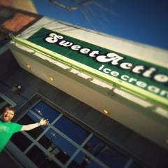 Photo taken at Sweet Action Ice Cream by Joel B. on 10/18/2012