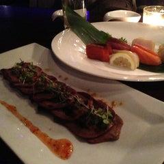 Photo taken at HaChi Restaurant & Lounge by Juri M. on 3/14/2013