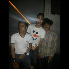 Photo taken at Venue Bar & Lounge by Aziiz K. on 11/2/2014