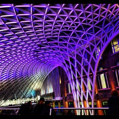 Photo taken at London King's Cross Railway Station (KGX) by Ayoub Q. on 10/29/2012