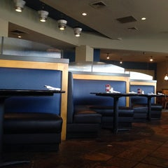 Photo taken at Elite Circle Grill by Steve-O on 8/3/2014