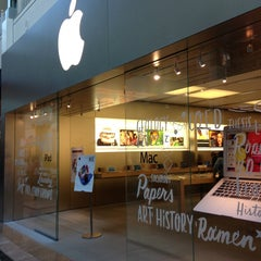 Photo taken at Apple Store, Bridgewater by CAESAR D. on 9/6/2013