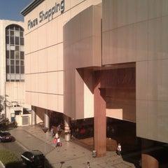 Photo taken at Plaza Shopping by Thiago V. on 7/26/2012