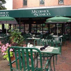 Photo taken at McCormick & Schmick's Seafood by Luis R. on 6/12/2012