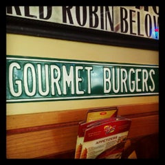 Photo taken at Red Robin Gourmet Burgers by Dominic M. on 8/21/2012
