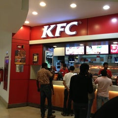 Photo taken at KFC by Mak Z. on 8/29/2012