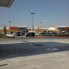 Photo taken at H-E-B by Michelle B. on 9/14/2011