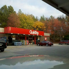 Photo taken at QuikTrip by L'Vaughn S. on 11/6/2011