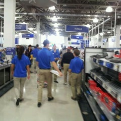 Photo taken at Best Buy by Guy C. on 9/17/2011