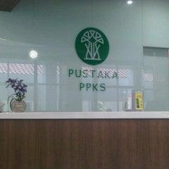 Photo taken at Kantor Pusat Penelitian Kelapa Sawit (PPKS/RISPA) by Indra A. on 4/4/2012