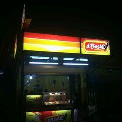 Photo taken at d'Besto Chicken & Burger by Syamsudin Z. on 7/23/2012