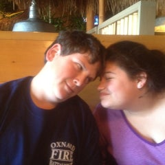Photo taken at Islands Restaurant by 'Bud H. on 3/4/2012