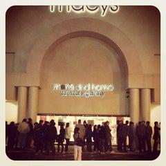 Photo taken at Macy's Men's & Home by Jeeten S. on 11/25/2011