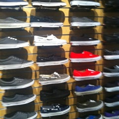 Photo taken at Vans by 💕Ɗℰℰήą💕 on 9/24/2011