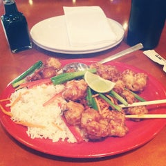 Photo taken at Pei Wei by Samuel P. on 5/15/2012