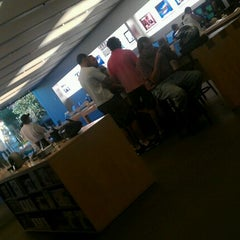 Photo taken at Apple Store, Town Square by Russell A. on 9/23/2011