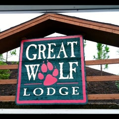 Photo taken at Great Wolf Lodge by Tey P. on 8/5/2011