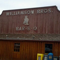 Photo taken at Williamson Bros Bar-B-Q by Zac R. on 9/16/2011