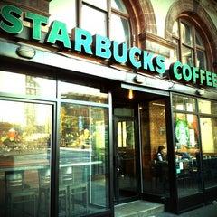 Photo taken at Starbucks by Fernanda S. on 11/6/2011