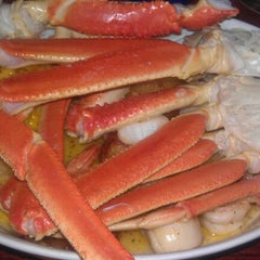 Photo taken at Red Lobster by Brandon A. on 8/12/2011