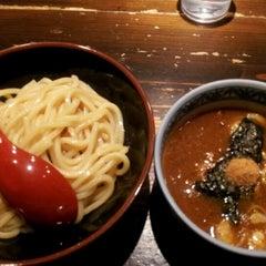 Photo taken at 三田製麺所 恵比寿南店 by BaeJoonMyung on 12/7/2011
