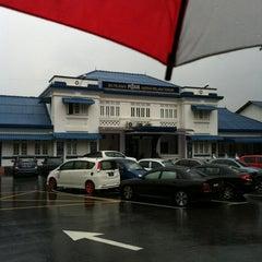 Photo taken at Balai Polis Melaka Tengah (Cawangan Trafik) by iMin on 7/4/2012