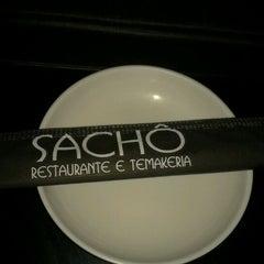Photo taken at Sachô - Restaurante e Temakeria by Malu G. on 1/25/2012