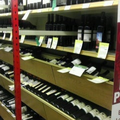 Photo taken at Total Wine & More by Thin L. on 7/7/2012