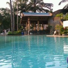 Photo taken at Felix River Kwai Resort (โรงแรมเฟลิกซ์ ริเวอร์แคว รีสอร์ท) by Nutthapon S. on 2/11/2012