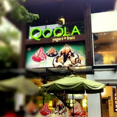 Photo taken at Qoola by Thita A. on 9/5/2012