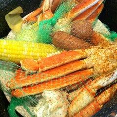 Photo taken at Joe's Crab Shack by Louis Z. on 8/25/2012