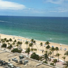 Photo taken at Courtyard by Marriott Fort Lauderdale Beach by Maurice W. on 5/22/2012