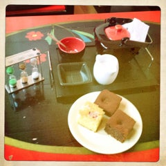 Photo taken at Green Tea by Teodora Gheorghiu on 3/28/2012