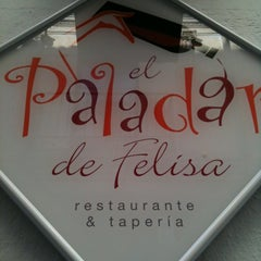 Photo taken at El Paladar De Felisa by Jordi B. on 2/25/2012