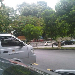 Photo taken at Gerai Bawah Pokok, Taman Tasik Perdana. by erry f. on 3/12/2012