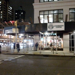 Photo taken at Starbucks by rum b. on 11/21/2011