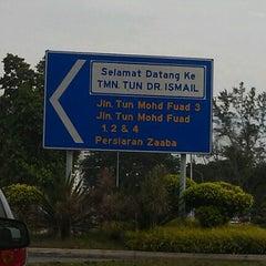 Photo taken at Pasar Malam TTDI by nadia a. on 4/1/2012