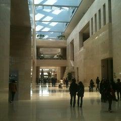 Photo taken at 국립중앙박물관 (National Museum of Korea) by Sohn J. on 2/19/2012