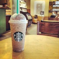 Photo taken at Starbucks by Maximilian R. on 5/28/2012