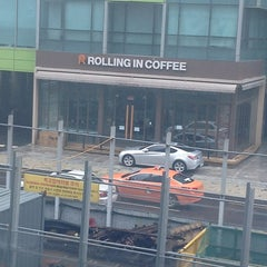 Photo taken at Rolling in Coffee by 물길 로스터 on 7/19/2012