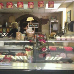 Photo taken at Isabella's Brick Oven Pizza & Panini by Bew R. on 1/21/2011