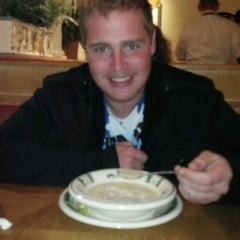 Photo taken at Olive Garden by Daniika V. on 11/7/2011