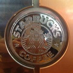 Photo taken at Starbucks by Arturo C. on 7/23/2012