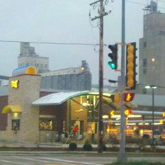 Photo taken at SONIC Drive In by Mark J. on 12/5/2011