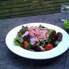 Photo taken at Parabola (พาราโบลา) by Kumiko N. on 2/1/2012