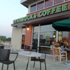 Photo taken at Starbucks by Desiree S. on 6/16/2011
