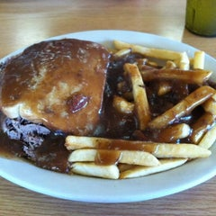 Photo taken at Longway's Diner by Nikki S. on 9/3/2012