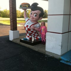 Photo taken at Big Boy by Bob S. on 4/27/2012