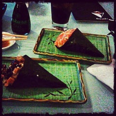 Photo taken at Temaki Fry by Giovanni T. on 4/29/2012